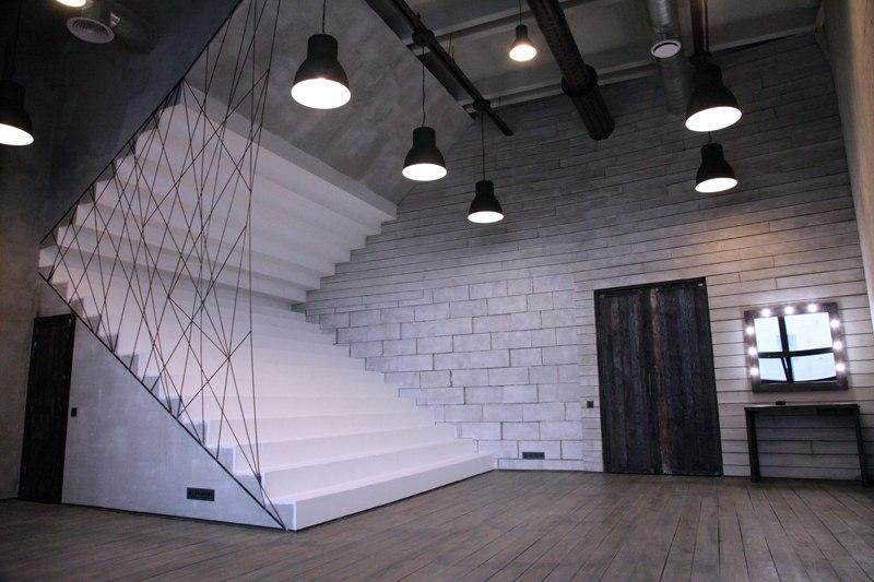 Фотостудии москвы с лестницей